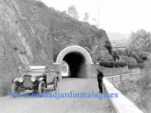 """Antigua carretera de Casabermeja, a su paso por el """"Pantano del Agujero"""""""